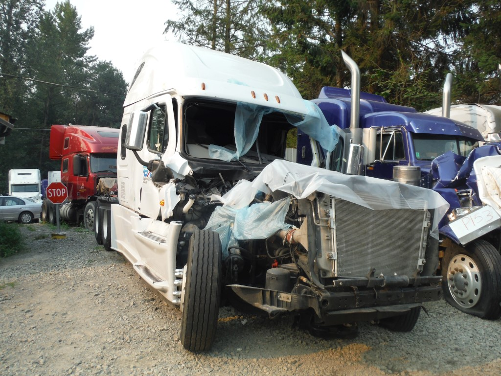 F199 – 2016 Freightliner Cascadia | Payless Truck Parts