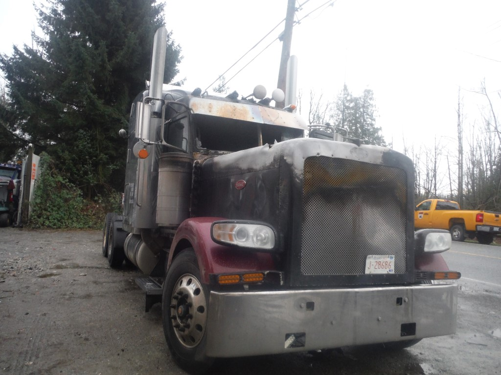 P159 – 2008 Peterbilt 389 | Payless Truck Parts