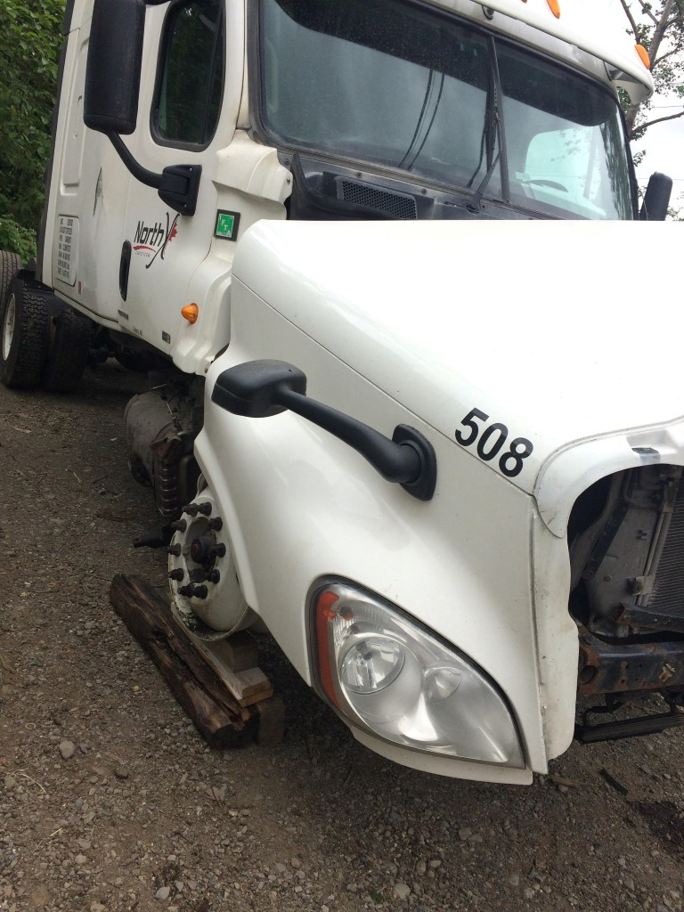 F227 – 2011 Freightliner Cascadia | Payless Truck Parts