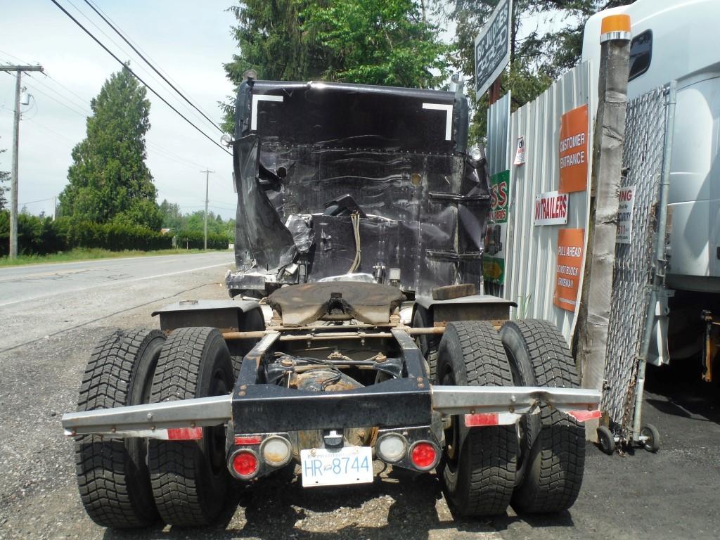 P171 -2015 Peterbilt 389 | Payless Truck Parts