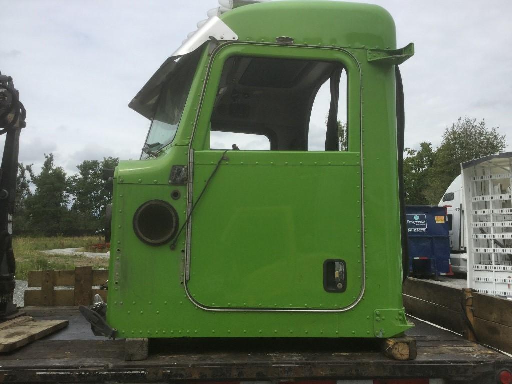 P173 – 2014 Peterbilt 389 | Payless Truck Parts