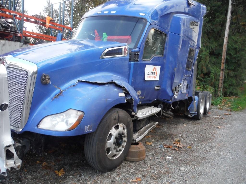 K182 – 2015 Kenworth T680 | Payless Truck Parts