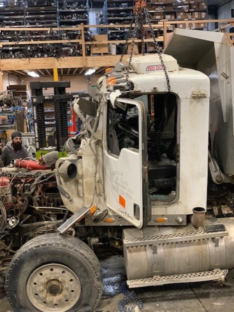 K187 – 2008 Kenworth T800 | Payless Truck Parts